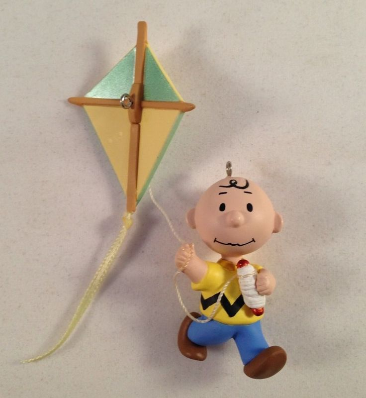 Peanuts Charlie Brown Going Up Flying His Kite 1998 Hallmark Spring Ornament