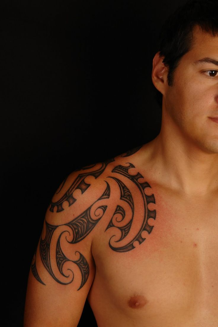 Polynesian tattoo on arm and chest - Maori Polynesian Tattoo Maori Octopus Design Shoulder Tattoo