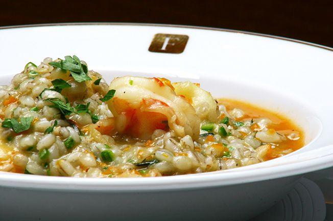 Esta sofisticada receita do Chef Salvatore Loi, do restaurante que leva seu nome (e ex-chef do Fasano), não é para iniciantes. Ela exige tempo e dedicação. Mas o resultado deste criativo risoto, que no lugar de arroz é feito com cevada, vale cada segundo.