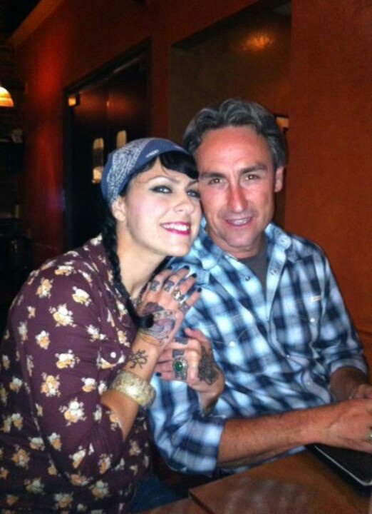 Is danielle dating frank from american pickers