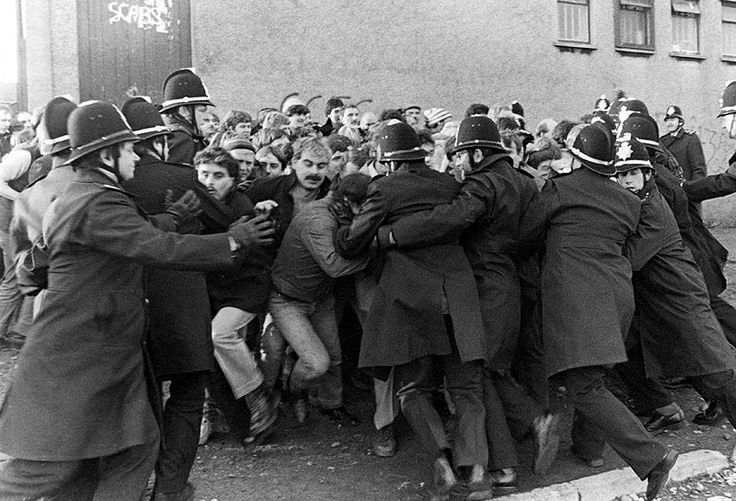 welsh coal miners clash with police during the miners strikes in 1980's