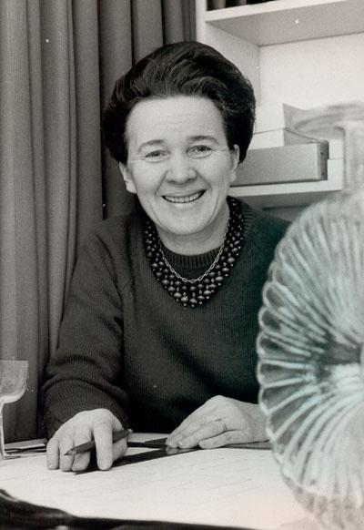 Helena Tynell (os. Turpeinen) synt. 10.12.1918,  on työskennellyt…
