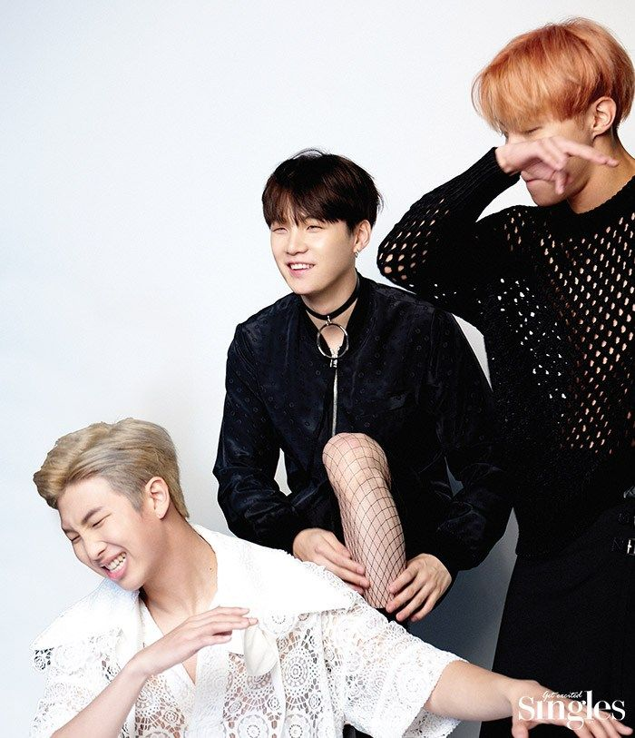[Picture] Behind the scene photo of BTS for 'Singles' Magazine January 2017 issue [170111]