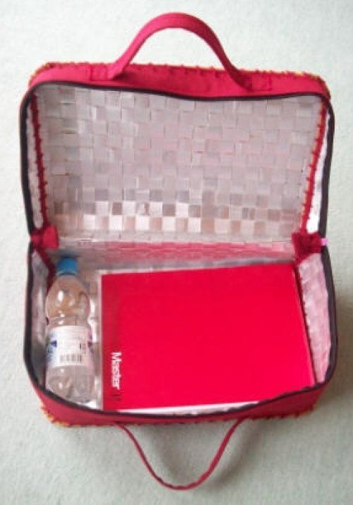 La valise en TETRA PAK ouverte