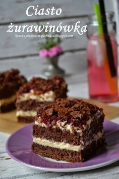 Jednym z ciast, które uwielbiają moi znajomi i o które często proszą, aby je upiec, jest ciasto pijana śliwka. Przygotowując ...