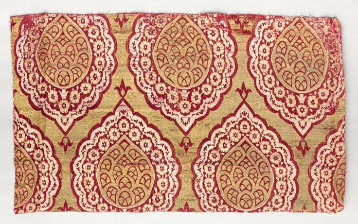 Ottoman Brocade. Turkey, Bursa, first half of 17th Century: brocade, silk, Average - h:45.75 w:62.25 cm (h:18 w:24 1/2 inches). Dudley P. Allen Fund 1918.201  (Pinned directly from Cleveland Museum of Art)