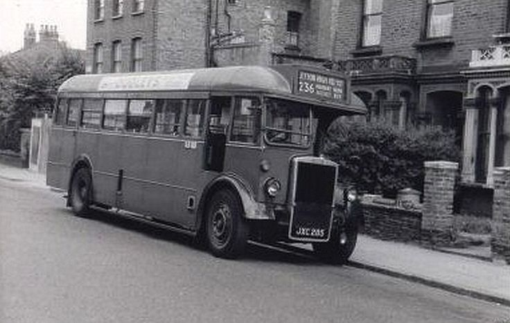 Finsbury Park, Plimsoll Road bus stand C1950's (2/2) | Flickr