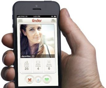 Tinder App users need more profile visitors so that they can get more people to chat to and also increase their popularity. Rising up in search is one way to do that, which leads in bringing in Tinder app Android. Imagine, there will be thousands of profiles in an area, coming first in search is the only way to get noticed by everyone in that area!