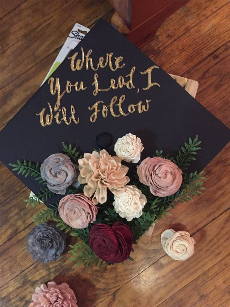 I made my graduation cap from wood flowers of Eco Flower! - #cap #flower #made #woodflowers #my -