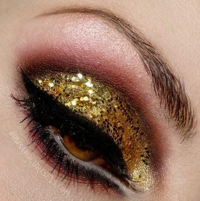 gold glitter with browns: Make Up, Gold Glitter, Eye Makeup, Beauty, Gold Sparkle, Hair, Glitter Eye, Eyes, Makeup Idea