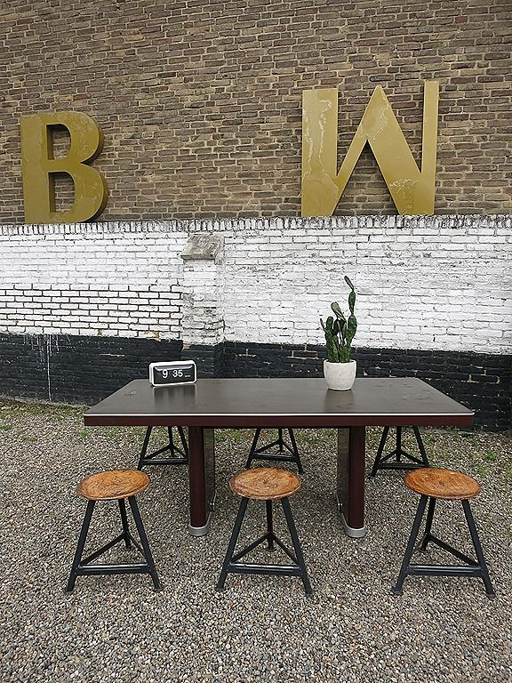Ahrend Oda vintage design industriële tafel bureau 'Prominent' office table Industrial www.bestwelhip.nl