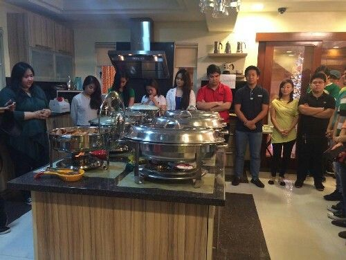 These are the alumni and the original cast of Goin' Bulilit with the staff and their friends praying for the food before dinner during the Christmas party and reunion of the original cast and alumni of Goin' Bulilit at Direk Edgar Mortiz's house in Quezon City last December 2014. Indeed, they're another of my favourite Kapamilyas, and they're amazing Star Magic talents. #SharleneSanPedro #MilesOcampo #JuliaMontes #GoinBulilit #GoinBulilitGraduates