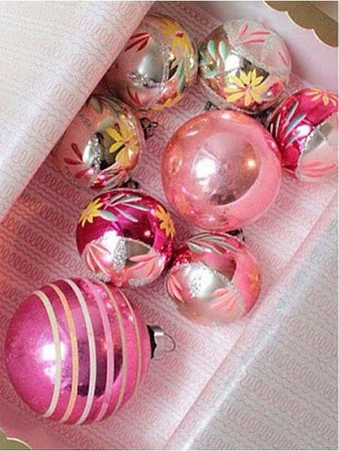 ♥ In the Pink! Pink Christmas Decorations ♥ Pink Christmas Ornaments