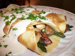 Asparagus and Mushroom Crepes with Swiss Cheese Sauce. Good idea for @Laetitia Yvonne's crepe dinner!