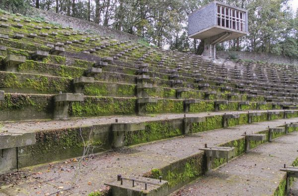 Located in the Netherlands city of Weert, the Lichtenberg Open Air Theatre has been abandoned for almost 20 years. The imposing structure had until recently been at the centre of a fight against demolition.
