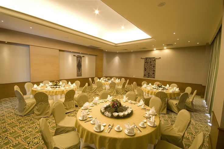 Marina Convention Center Batam - Private Room, Round Table Set-up
