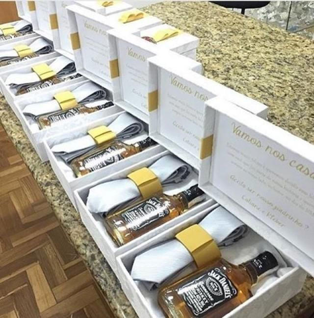Nothing says thank you for been part of our special day like a beautifully packaged gift. Groomsmen gift boxes. Photo credit @casamentosetc