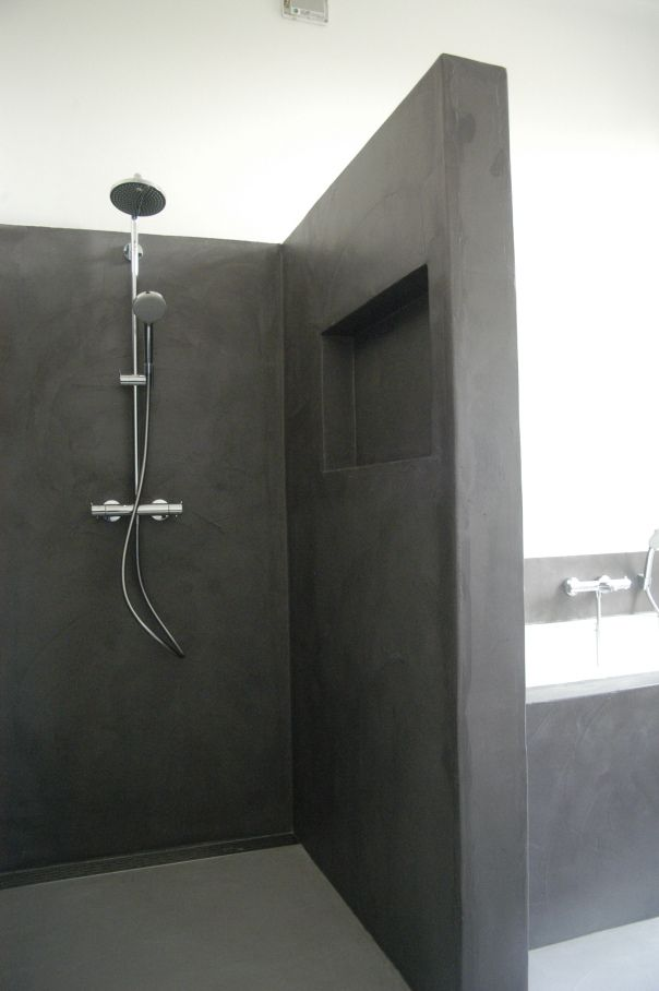 Concrete bathroom / #dark #grey #bath  / for more inspiration visit http://pinterest.com/franpestel/boards/
