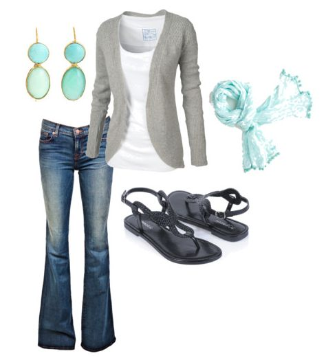 Money Saving Mom's Minimalist Wardrobe tips... oh, and I love the outfit too :) Except the sandals would make my puffy feetz look like a ham, but whatever...