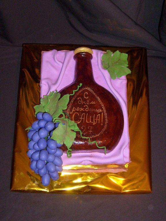 Бутылка коньяка #торт_на_заказ_михайловка #день_рождения #бисквитный_торт #шоколадный_торт #слоеный_торт