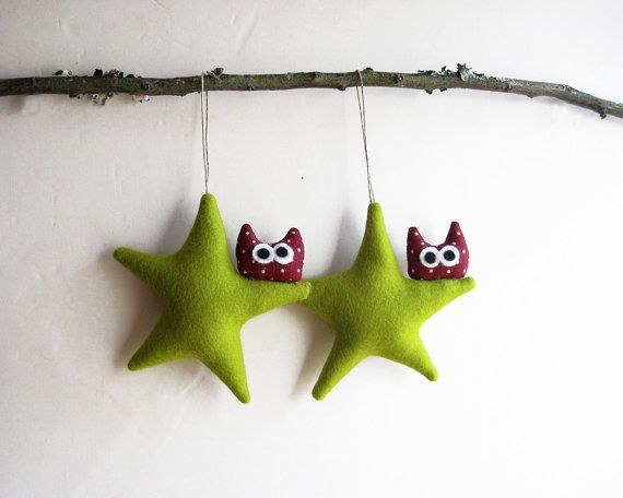 Christmas ornament. Two green stars with owl. Felt Decoration wall hanging.
