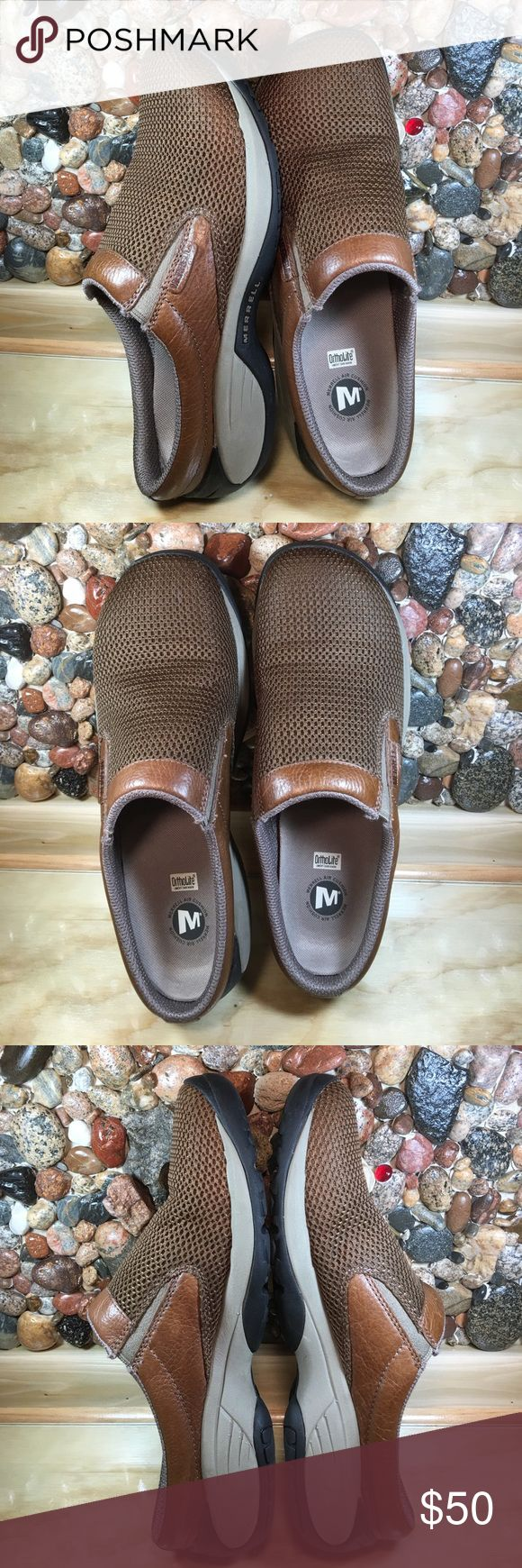 """Men's Merrell Air Cushion Leather & Mesh Mules 10 Excellent condition. No flaws. Air cushion. Mesh top, leather trim. Non slip sole. Please look carefully at each picture so you can see how wonderful these shoes are. My husband has diabetic neuropathy and can't wear these since he has lost his feeling in his feet. Never worn outside. The length measures 11 1/2"""" from toe to heel.  Widest part at the ball is 3 3/4""""The back comes up 1"""" and doesn't get smashed like cheap mules do.They have 1…"""