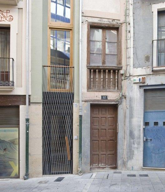 Rehabilitación De Un Edificio Entre Medianeras / Alfonso Alzugaray