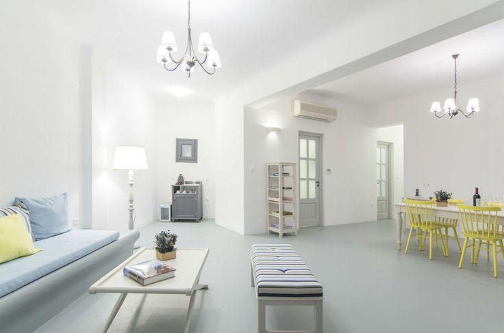 Holiday Villa in Santorini, Greece - Two bedroom villa with private pool & Spa in Santorini