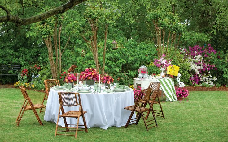a picture of an outdoor dinner setting inspired by the Masters Tournament.