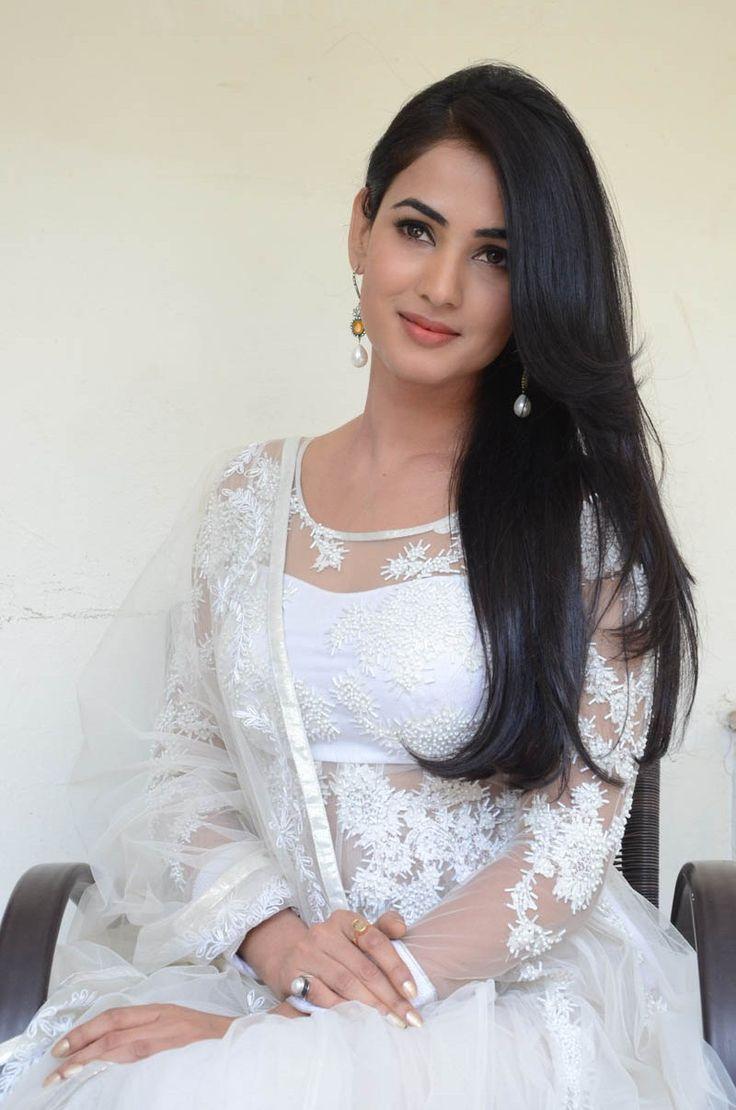 Sonal chauhan hot in white salwar photos