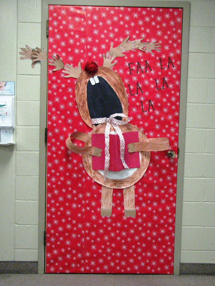 Singing reindeer! | Christmas Door Decorations | Pinterest ...