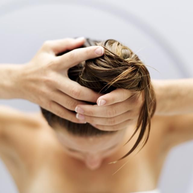 These five steps to healthy hair can help you reverse damage, prevent future breakage, and return your hair to it's healthiest state.: De-Gunk Your Tresses