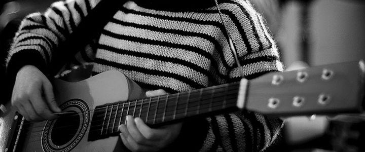 5 Easy Songs for Kids to Play on Guitar  http://takelessons.com/blog/easy-songs-to-play-on-guitar-for-kids-z01?utm_source=social&utm_medium=blog&utm_campaign=pinterest