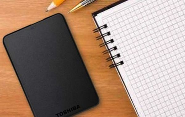 Toshiba nos ofrece un disco duro portátil de 1TB con USB 3.0 a precio muy barato