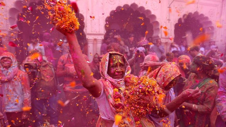 The empowering story behind this colorful photo of India's rebel