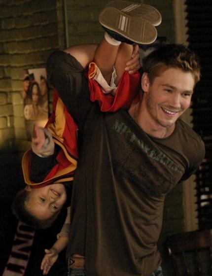 Jamie & Uncle Lucas, awww *.*