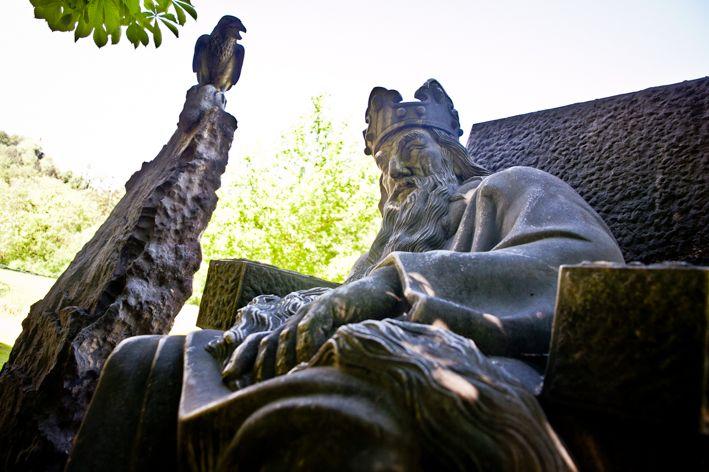 Kaiser Karl im Untersberg und sein langer Bart – Apokalypse am Walserfeld