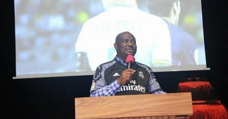 Governor Nyesom Wike of Rivers State has once again shown that he is a football lover as he hosted a victory party to celebrate Real Madrids UEFA Champions League win. Real Madrid had last Saturday claimed a second consecutive title after defeating Juventus 4-1 in Cardiff England.  See Photos below:  http://ift.tt/2sE6qbM news