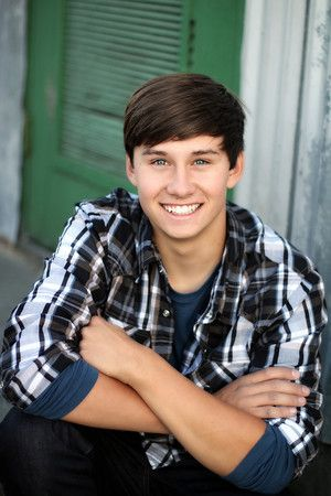 High school senior portrait boy downtown urban handsome plaid sonoma county windsor santa rosa petaluma rohnert park healdsburg cloverdale napa marin