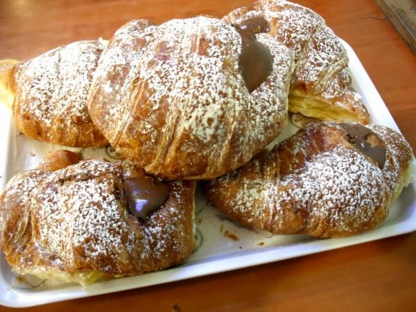 Is there anything better!? Everyday for breakfast?- Yes please! cornetto alla nutella