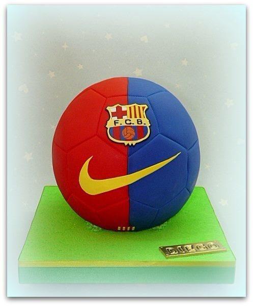 Barça+soccer+ball+-+Cake+by+Silvia+Caeiro