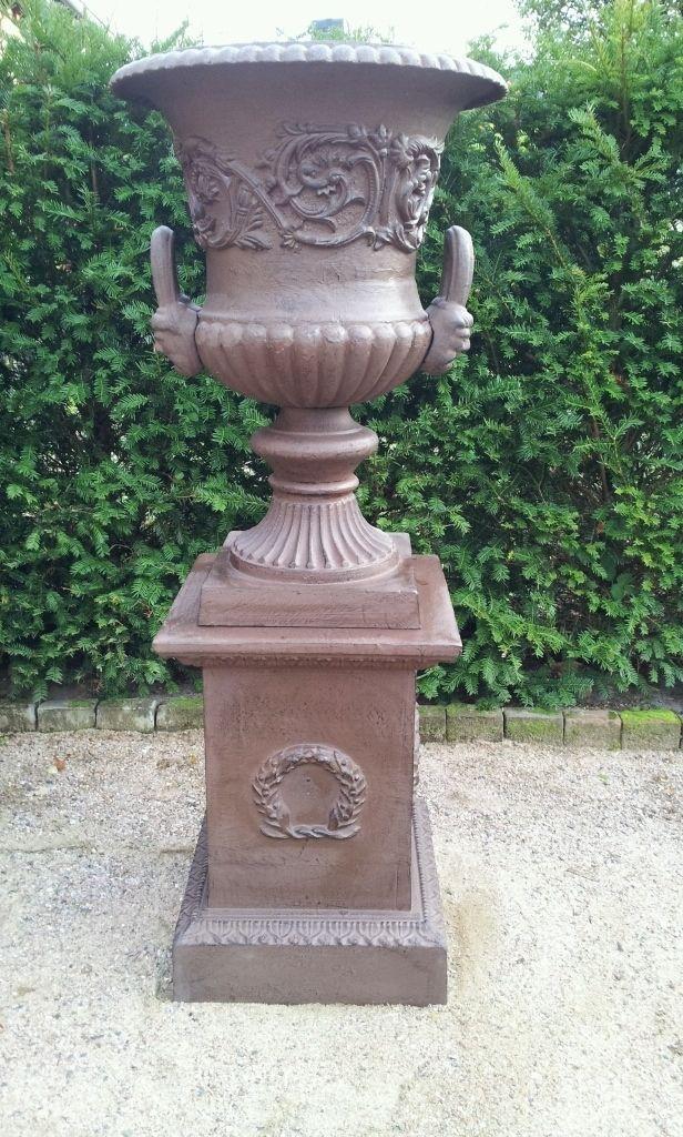 Les 34 meilleures images propos de fontaines amphores for Amphore de jardin
