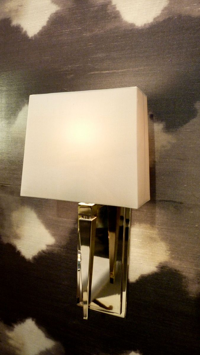 Burbank Wall Light