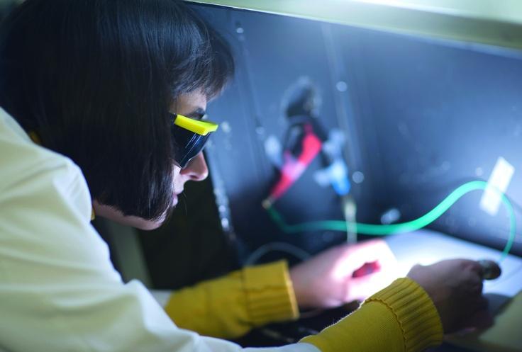 Grupo de Dispositivos Fotovoltaicos y Optoelectrónicos de la UJI | Grup de Dispositius Fotovoltaics i Optoelectrònics de l'UJI www.elp.uji.es