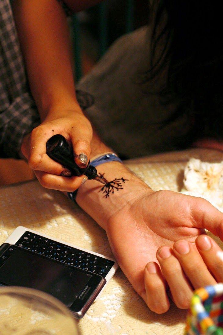 Light uv tattoos henna tattoo for - Foot Tattoos Henna Flower Tattoos Henna Foot Tattoos Henna Girl Tattoos Henna