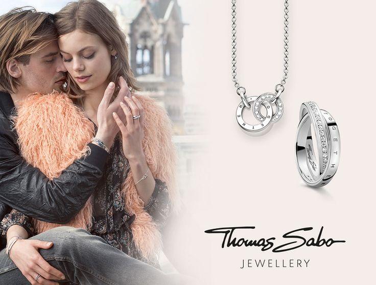 Thomas Sabo steht für modischen Schmuck 💎 am Puls der Zeit. Über 600 Schmuckstücke der Kultmarke führen wir bei uns im Sortiment. Neben Armbändern, Anhängern und Ringen 💍 findet Ihr im uhrcenter-Onlineshop auch Halsketten und Ohrringe. Schaut mal bei uns im Shop vorbei. 📿 https://www.uhrcenter.de/schmuck/thomas-sabo/  #Thomassabo #Schmuck #Armschmuck #Halsketten #Ringe #Ohrringe #Fashion #uhrcenter #lifestyle #picoftheday #Accessoire #geschenkidee #style #hot #elegant #modisch #edel