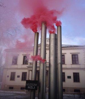Czerwony dym z wolskich kominów. http://tvnwarszawa.tvn24.pl/informacje,news,czerwony-dym-z-wolskich-kominow,191114.html