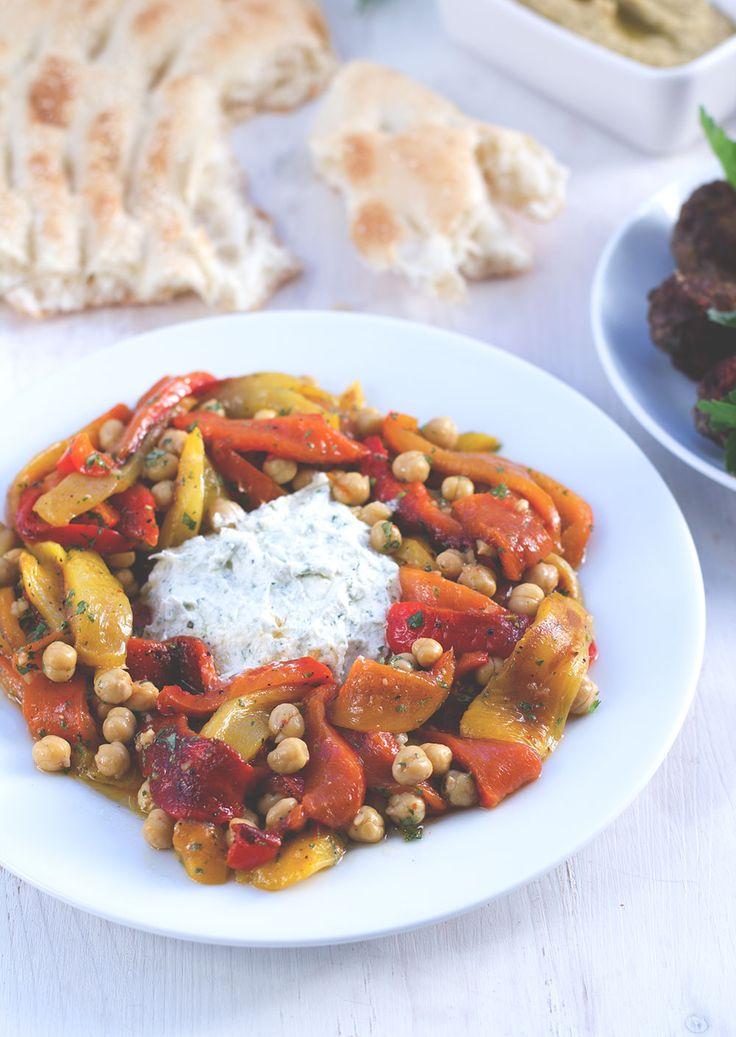 Tausendschönes Marokko: Paprika-Kichererbsen-Salat mit Ziegenfrischkäse