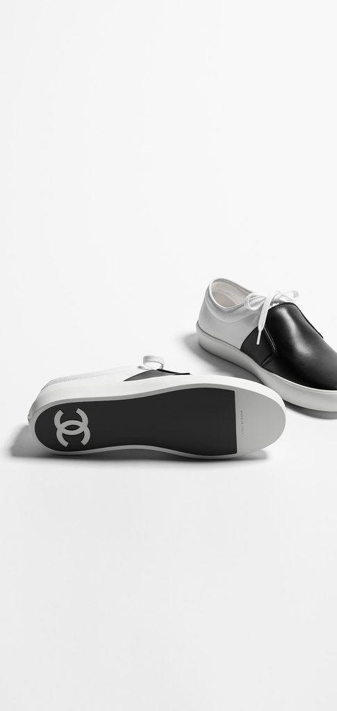 Sneakers, fabric & calfskin-white & black - CHANEL