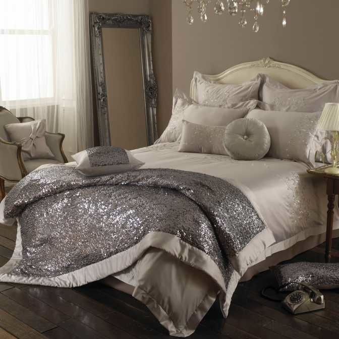 aa6e56cd79ed Sequins, Beads, & Glitter: Unexpected Sparkle at Home | Home Decor ❥ | Home  decor, Glitter bedroom, Kylie minogue at home